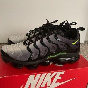 "Nike air vapormax plus ""black volt"""
